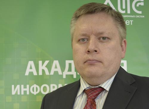 Заместитель директора Академии Информационных Систем Игорь Елисеев