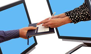 Электронный документ, подтверждающий расходы, можно заверить любой подписью